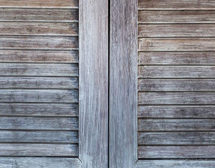 Comment donner un coup de neuf à volets en bois?